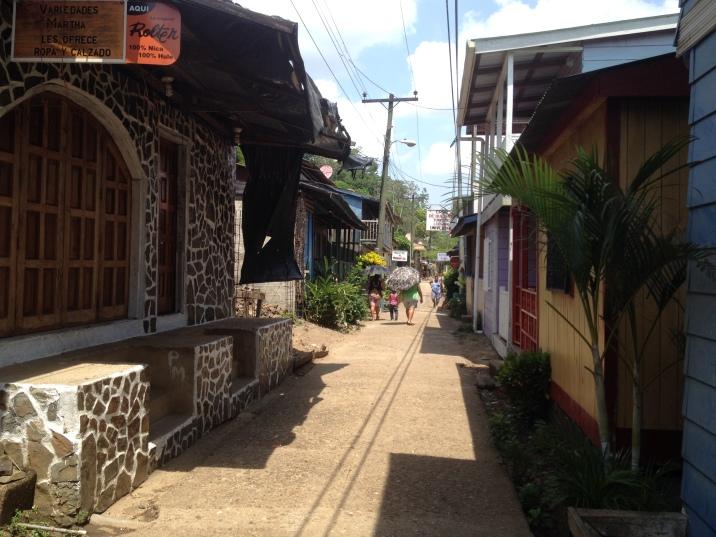 Calle Principal in El Castillo.